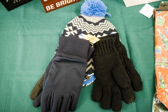 Gloves_Horiztonal