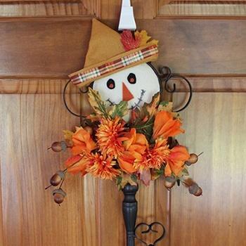 Scarecrow Door Decor