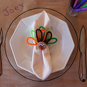 Kiddie-Thanksgiving-Table-Setting-300