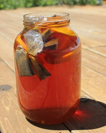 Make some delicious Sun Tea during Earth Month!