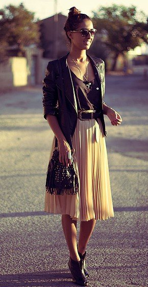 Goodwill Fall Tips and Trends - Mid Length Skirts