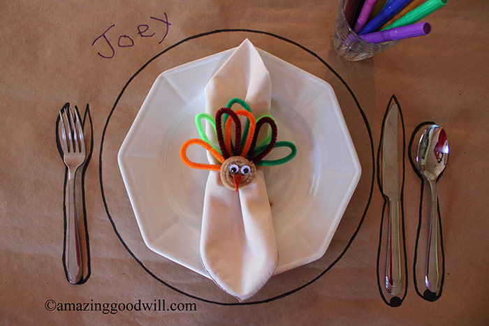 Kiddie Thanksgiving Table Setting